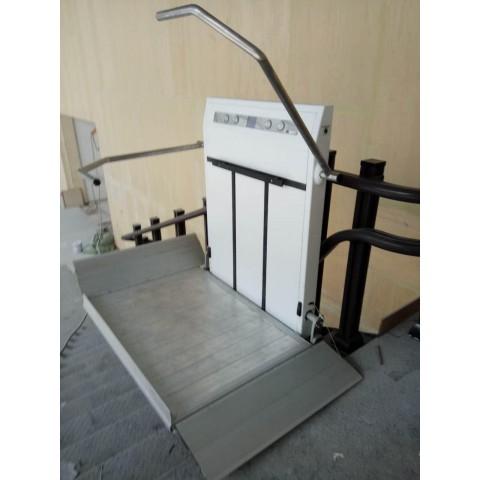 Πλατφόρμα, αναβατόριο σκάλας για αμαξίδια
