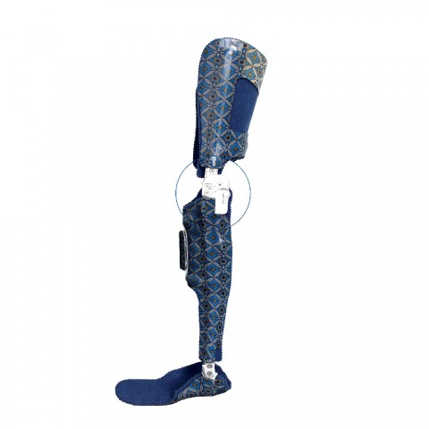 Μηροκνημοποδικός κηδεμόνας με ηλεκτρονική άρθρωση αυτόματης ασφάλισης/απασφάλισης γόνατος